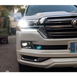 Toyota Land Cruiser Head Lamp / Head Light Right Side OEM  - Model 2015-2019-SehgalMotors.Pk